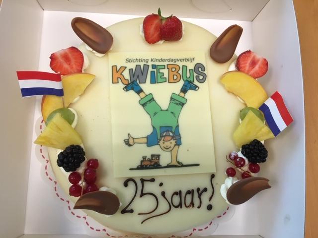 Kwiebus bestaat 25 jaar!